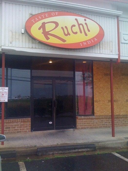 Ruchi, Taste of India: 22034 Shaw Rd, Sterling, VA