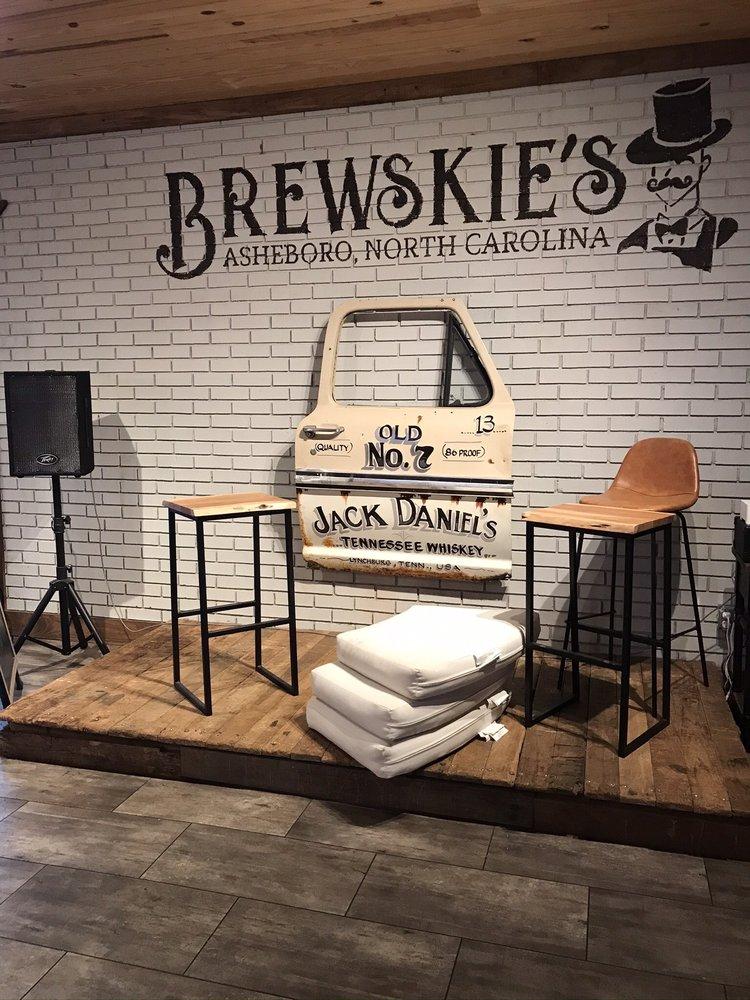 Brewskie's: 736 South Fayetteville St, Asheboro, NC