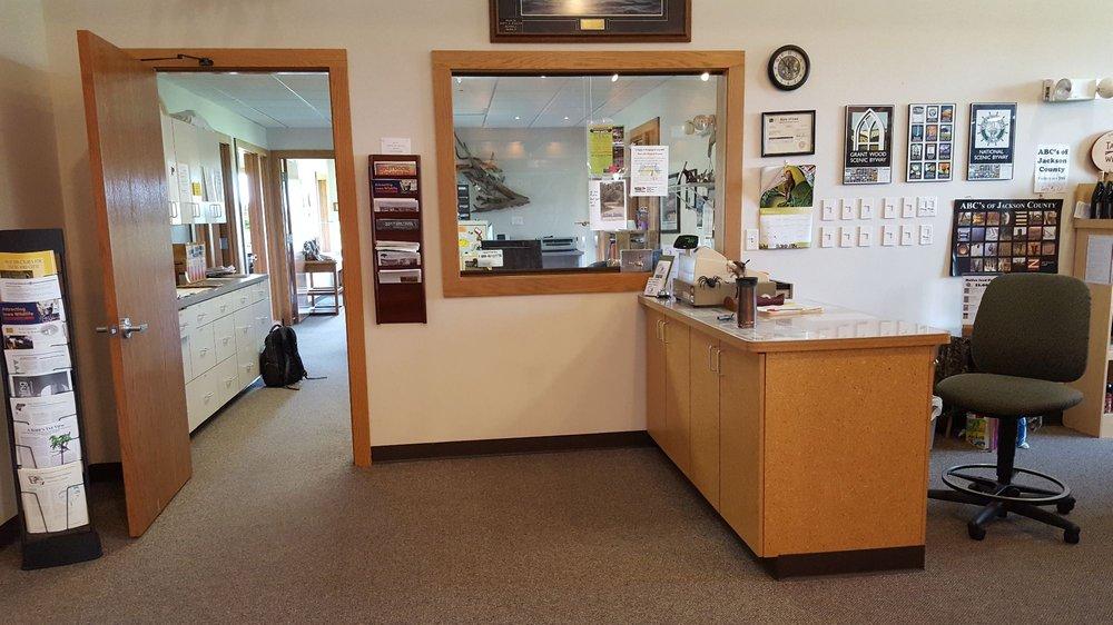 Hurstville Interpretive Center: 18670 63rd St, Maquoketa, IA