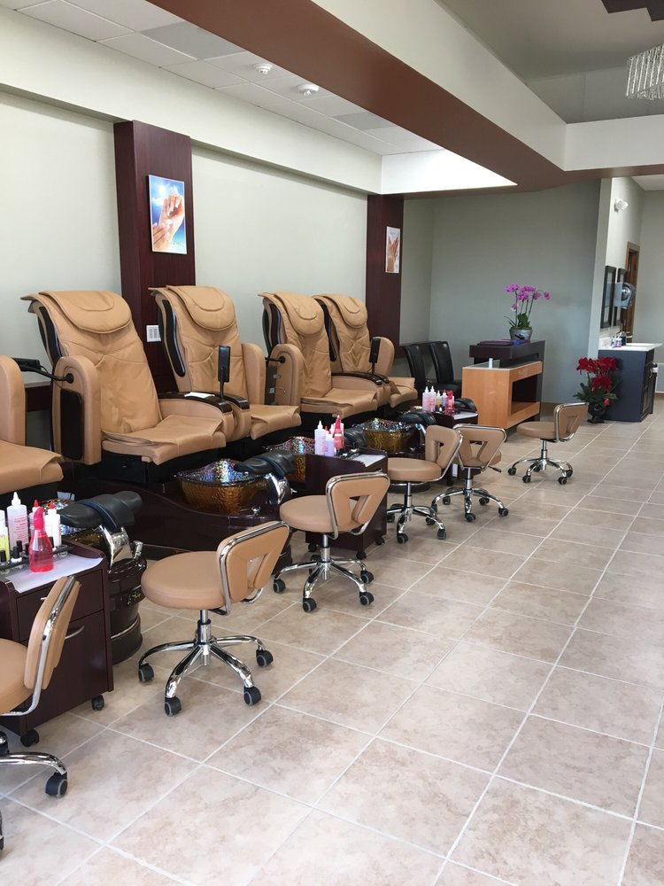 Nail'd It Aesthetic NAILS Salon: 1350 NW 18th St, Ankeny, IA