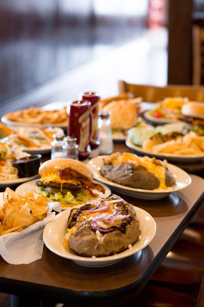 Novrozskys Hamburgers: 3925 Dowlen Rd, Beaumont, TX