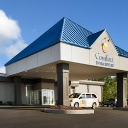 Photo Of Comfort Inn Suites Airport Syracuse Ny United States