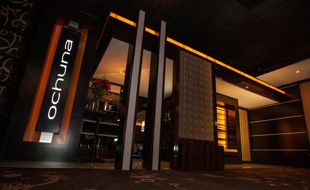 Ochuna restaurante abre sus puertas ven a disfrutar de for Puertas de cocina de restaurante