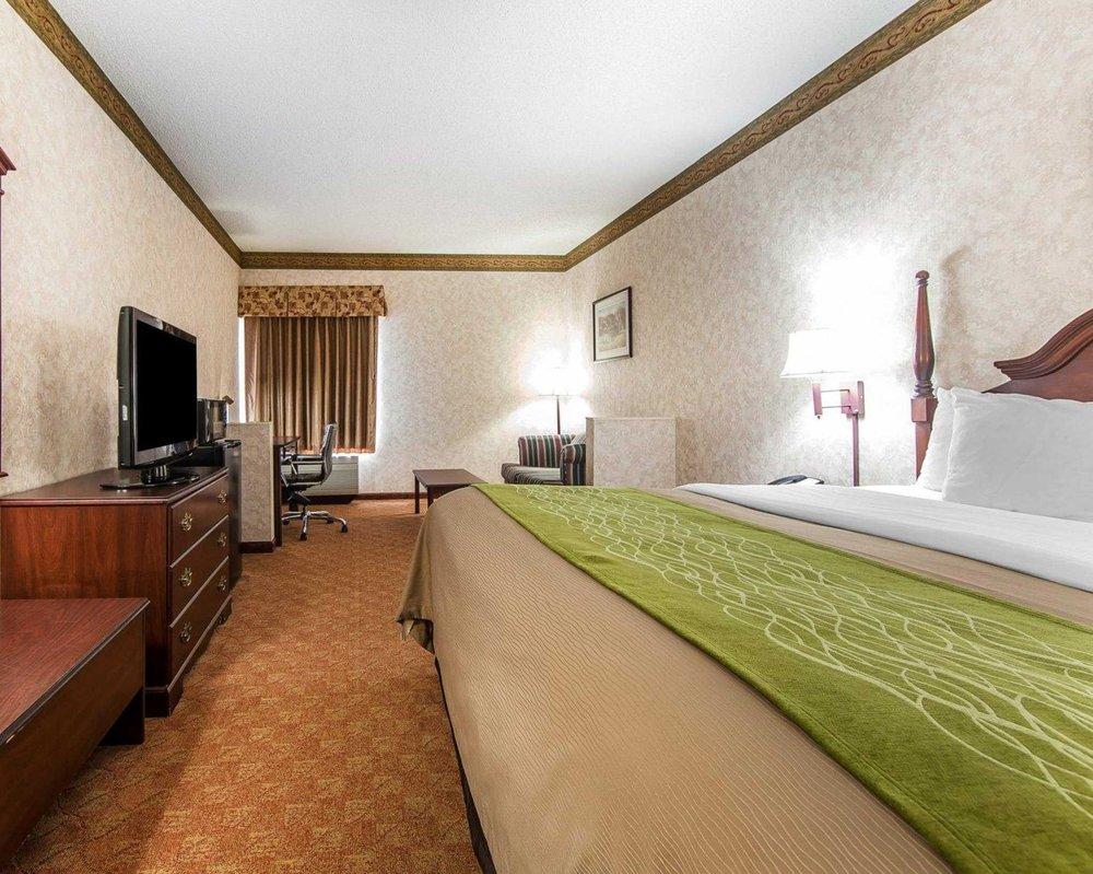 Comfort Inn: 150 Interchange Park Lane, Lenoir City, TN