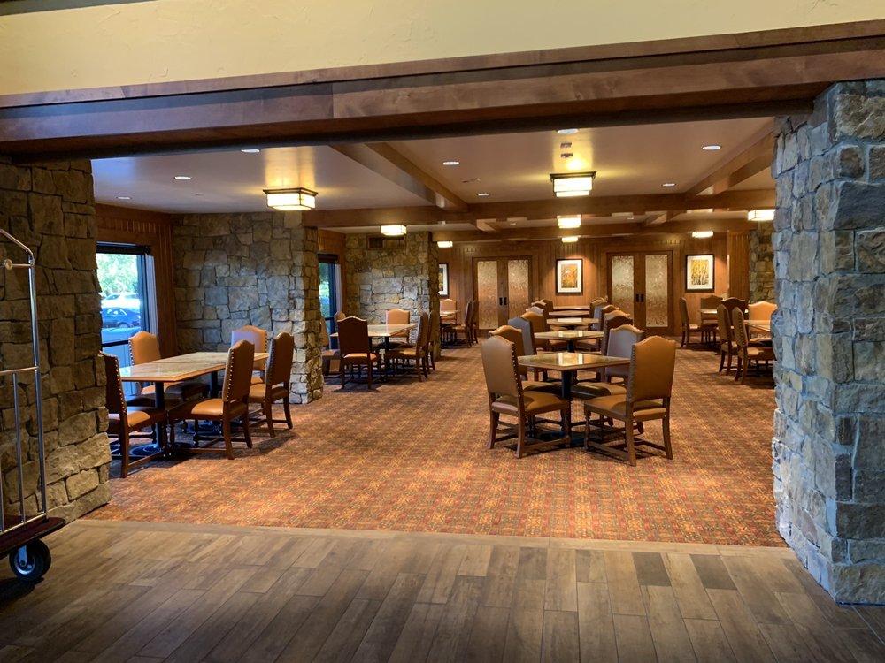 Creekside Inn: 725 N Main St, Bishop, CA