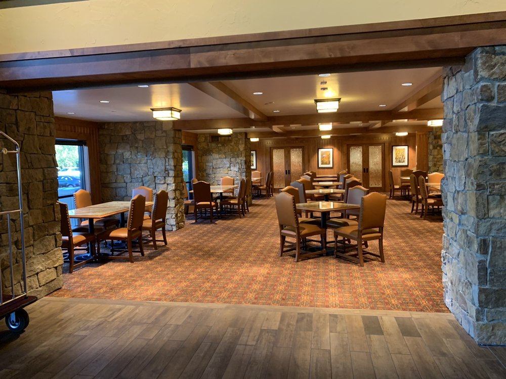 Creekside Inn: 725 Main St, Bishop, CA