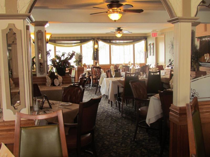 The Arch Steak House & Tavern