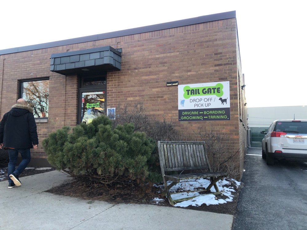 Tail Gate: 830 N Addison Ave, Elmhurst, IL