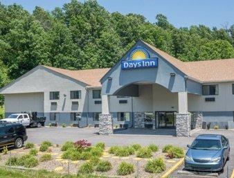 Days Inn by Wyndham Ashland: 12700 Route 180, Ashland, KY