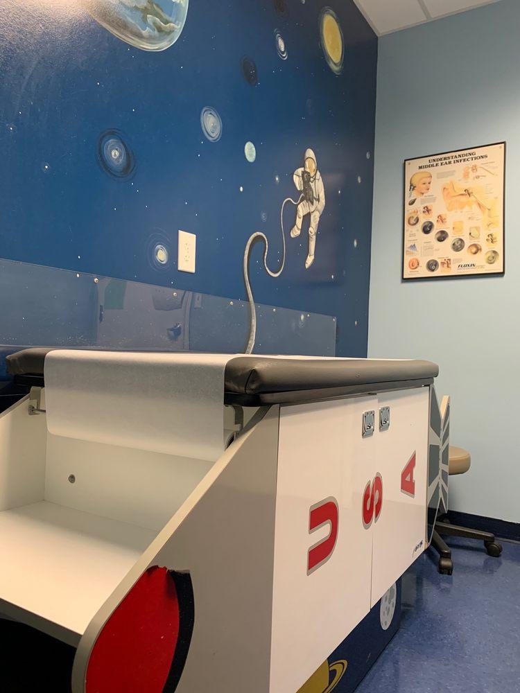 Growing Up Pediatrics: 8311 Magnolia Plz, Cornelius, NC