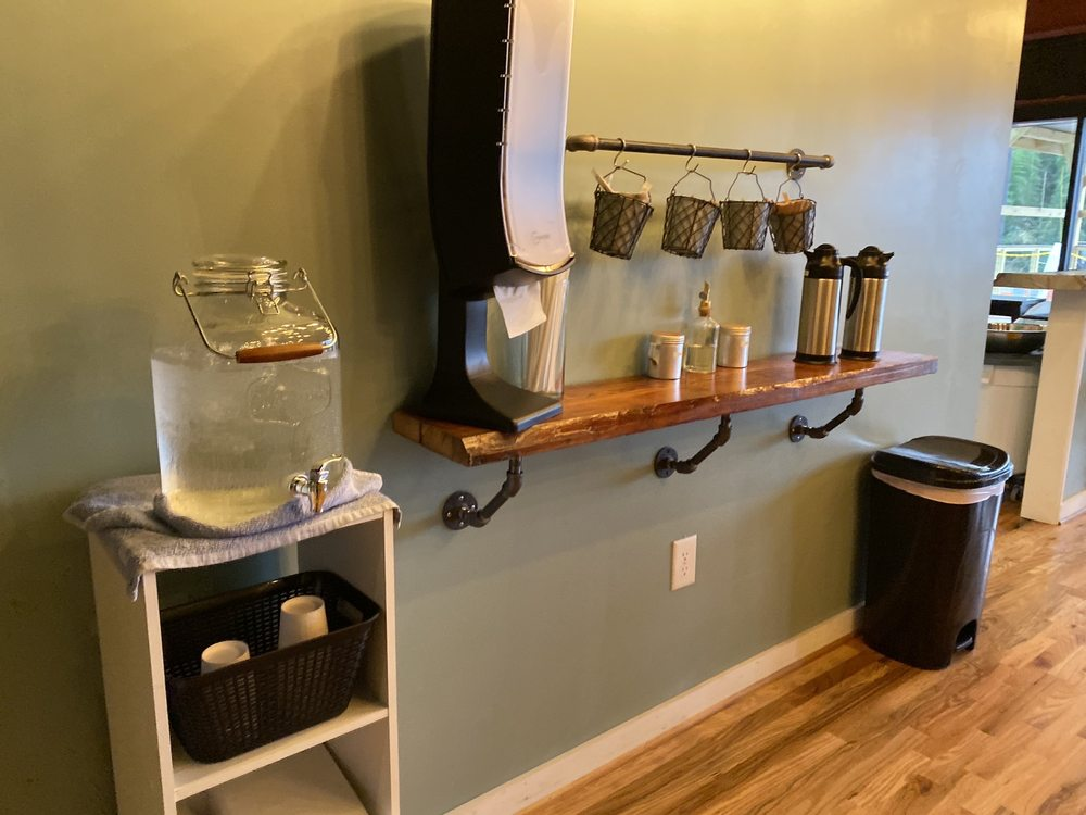 Kaffeine Coffee Shop and Roastery: 110 E Curtis St, Simpsonville, SC