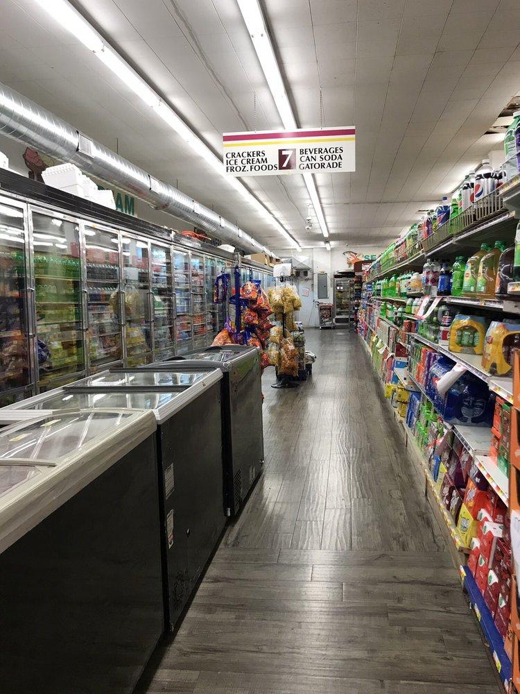 Johnson's Foodtown: 414 Mill St, Pulaski, TN