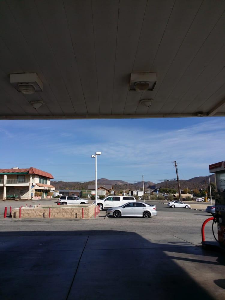 Country Club Feed & Supply: 3771 Sierra Hwy, Acton, CA