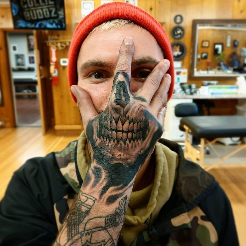 The scarlet veil tattoo parlor: 564 SW 3rd St, Corvallis, OR