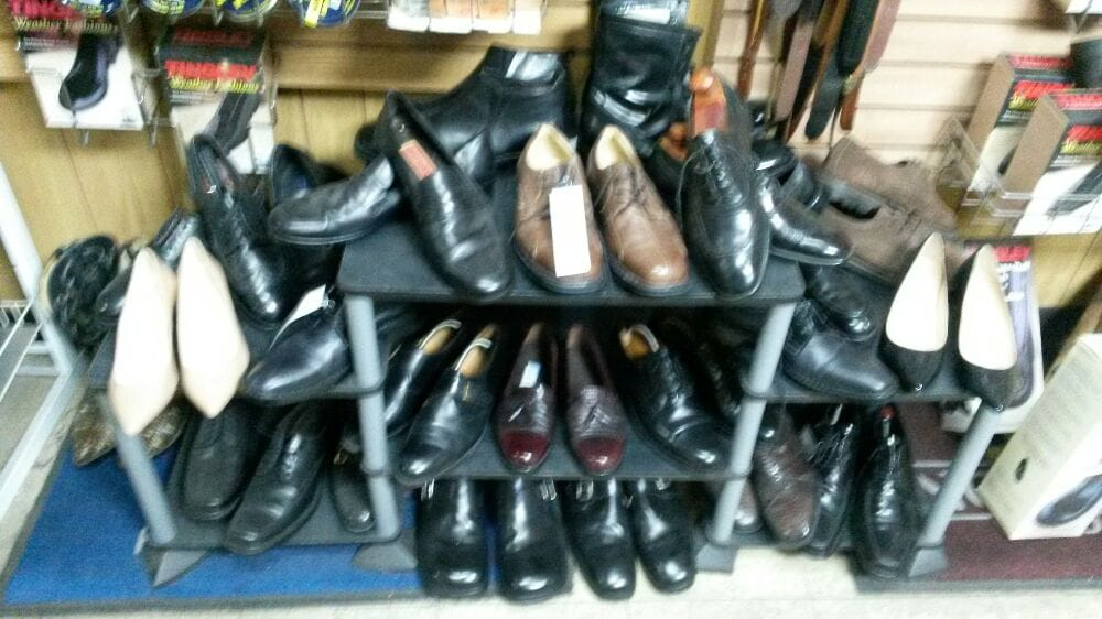 Bill's Shoe Service: 1423 W Roosevelt Rd, Broadview, IL