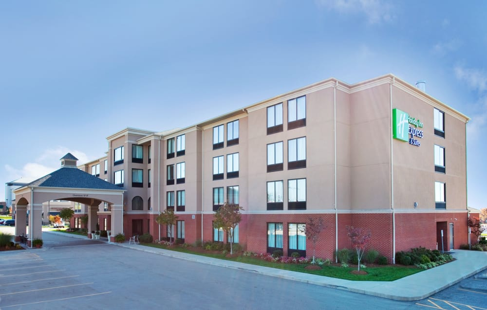 Holiday Inn Express & Suites Cape Girardeau I-55: 3253 William St, Cape Girardeau, MO