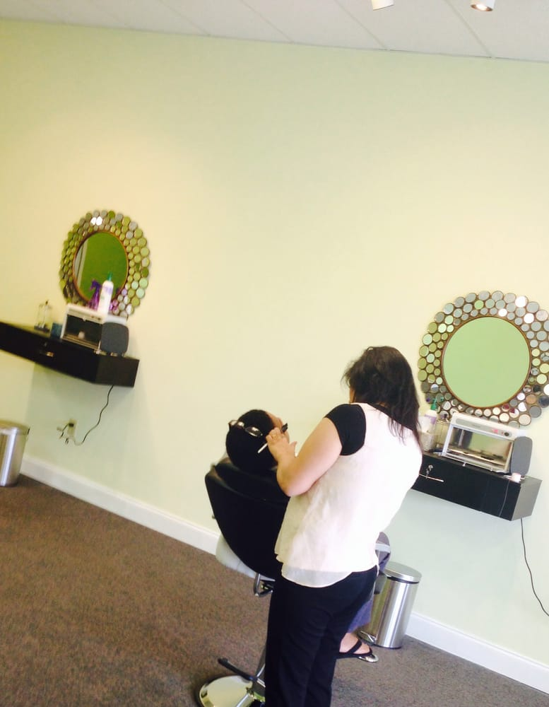 Brows Threading and Waxing Studio: 4977 Promenade Pkwy, Bessemer, AL
