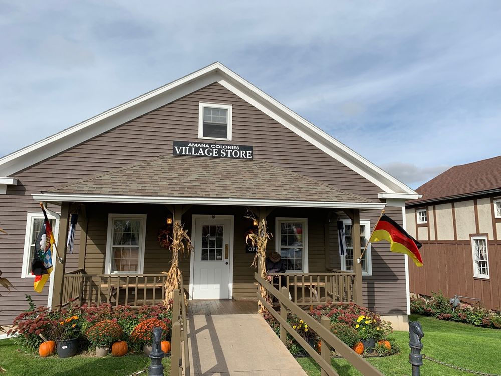 Amana Colonies Village Store: 4407 220th Trl, Amana, IA