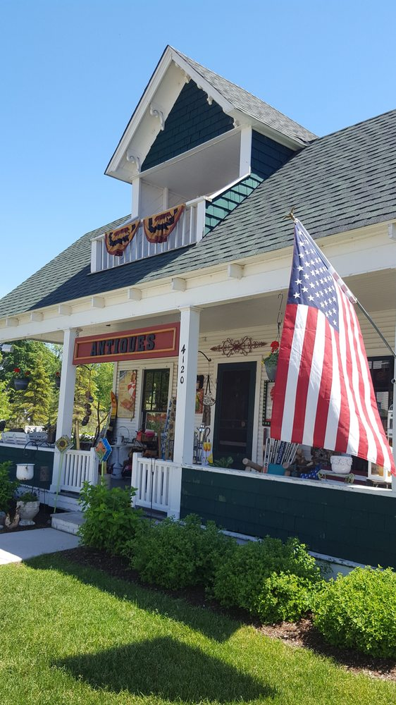 Vintage Mercantile: 4120 M-75, Walloon Lake, MI