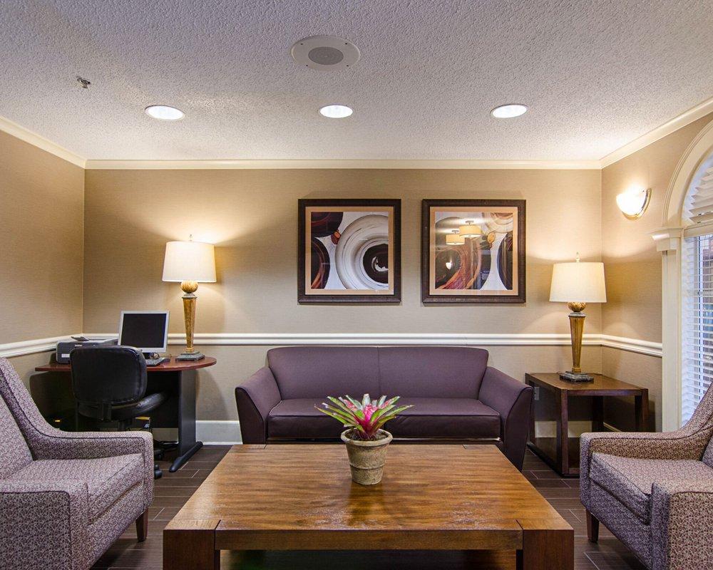 Quality Inn & Suites West: 300 Markham Center Dr, Little Rock, AR