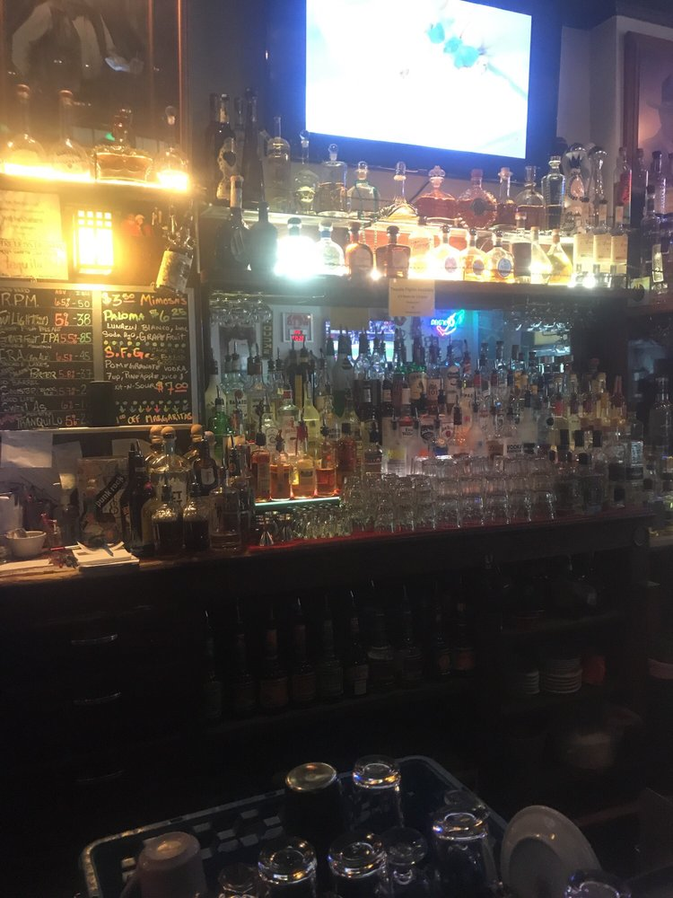 Photo of M & J Tavern: Bend, OR