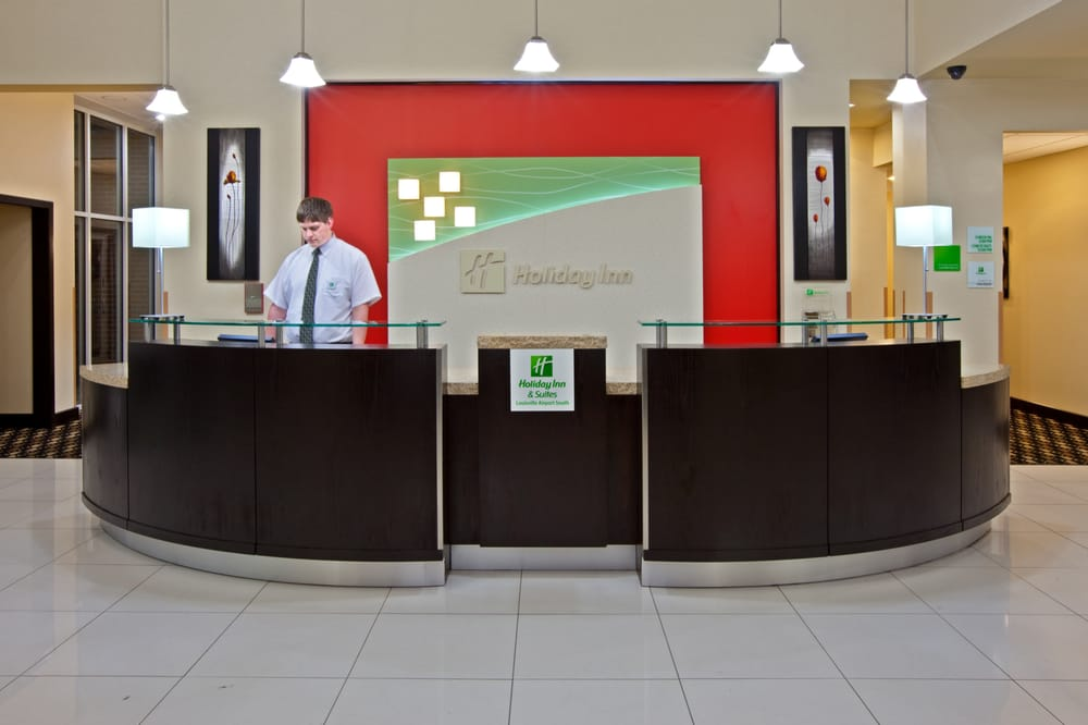 Holiday Inn Louisville Airport South: 6551 Paramount Park Dr, Louisville, KY