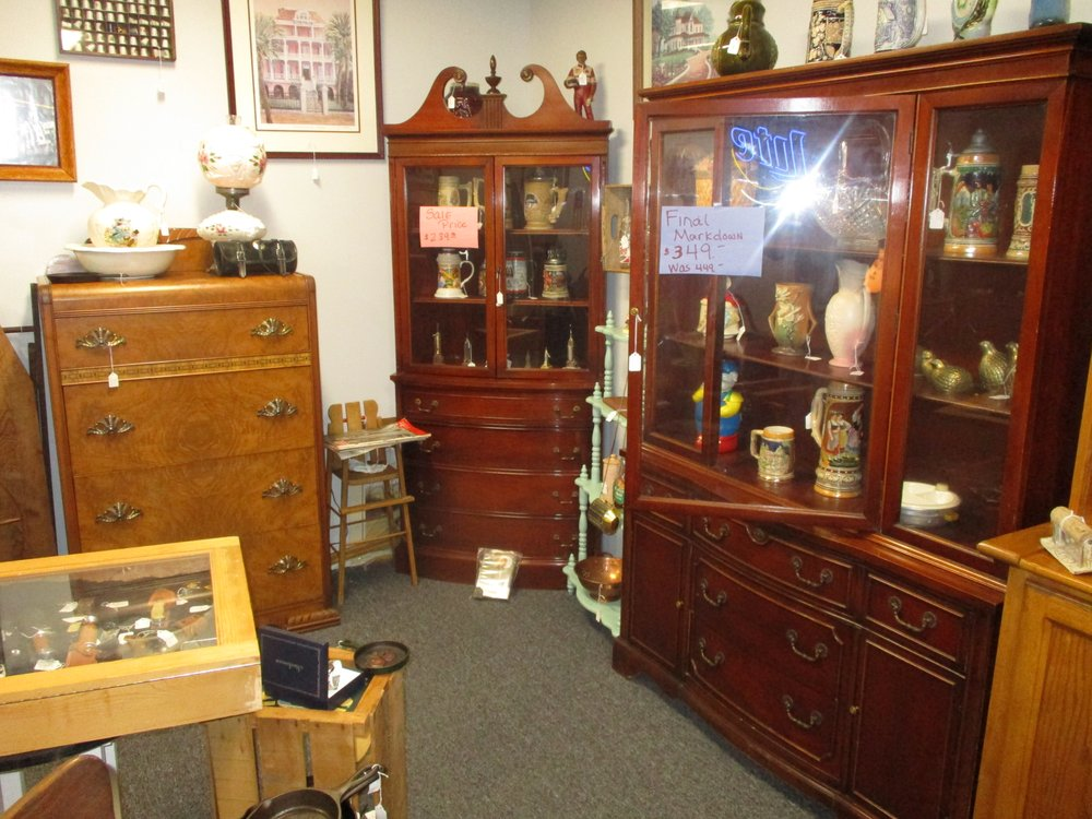 Willow's Antiques: 2718 N Main St, Anderson, SC