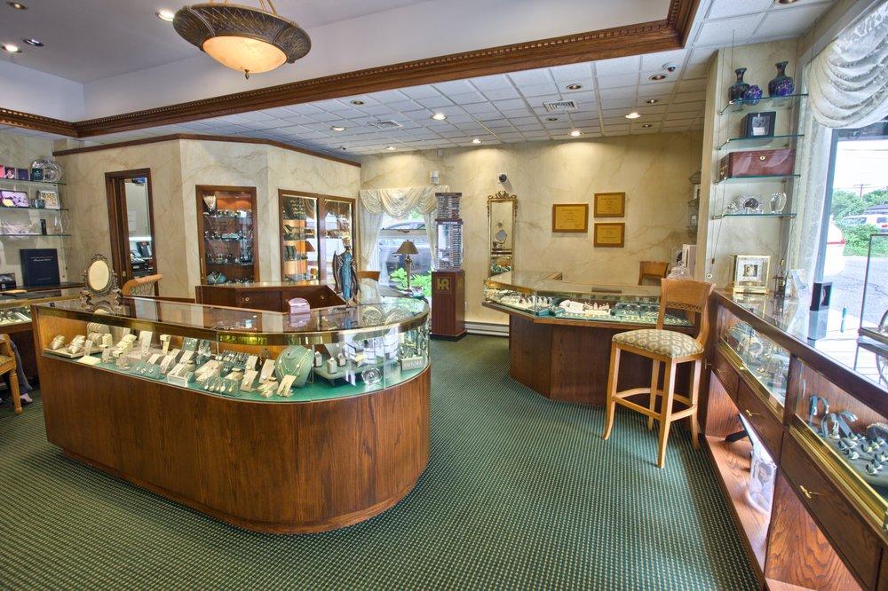 Le Joaillier Fine Jewelry: 33 The Plaza, Locust Valley, NY