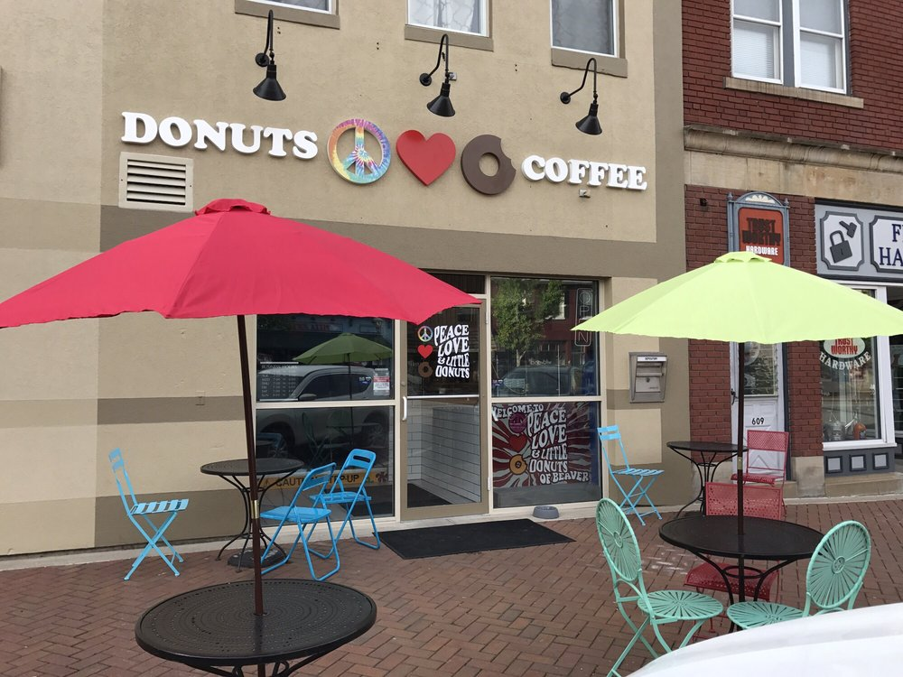 Peace, Love and Little Donuts of Beaver: 605 3rd St, Beaver, PA