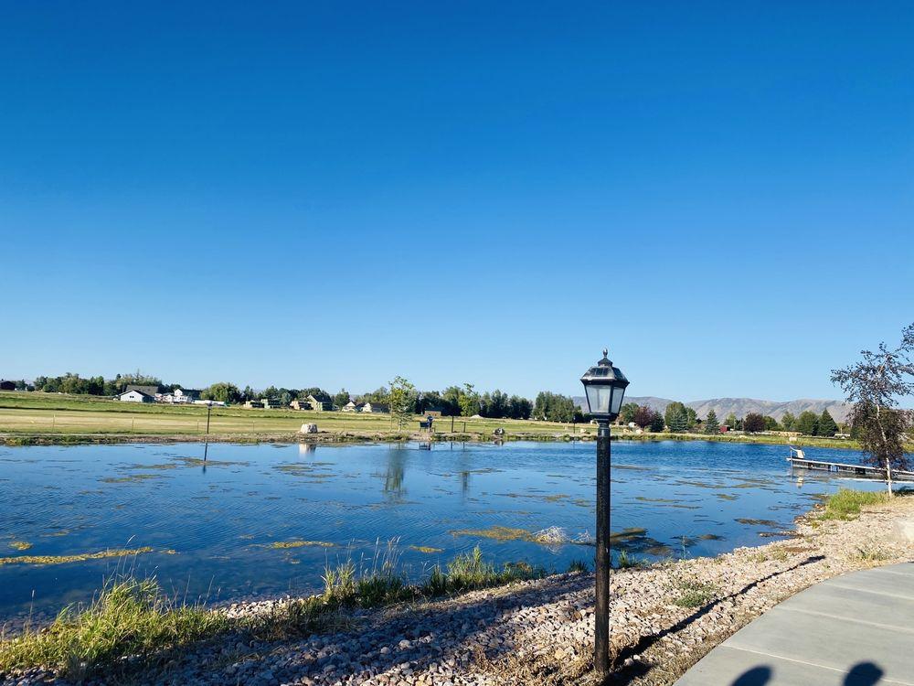 Garden City Pond: 579 Buttercup Blvd, Garden City, UT