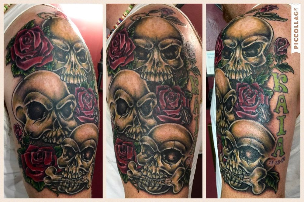 Skulls And Roses By Tanna Hill At The Beesnest Tattoo Yelp