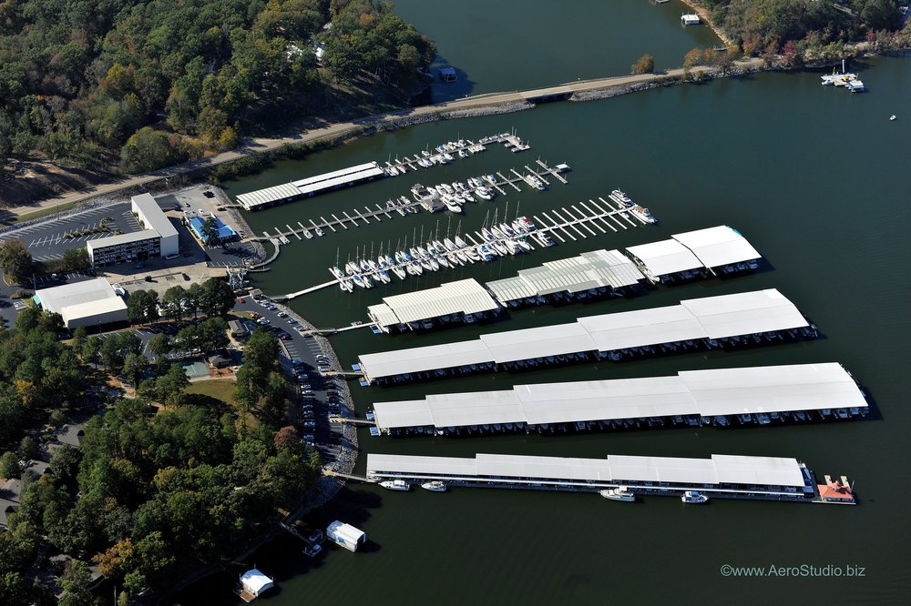 Safe Harbor Aqua Yacht: 3832 Highway 25, Iuka, MS
