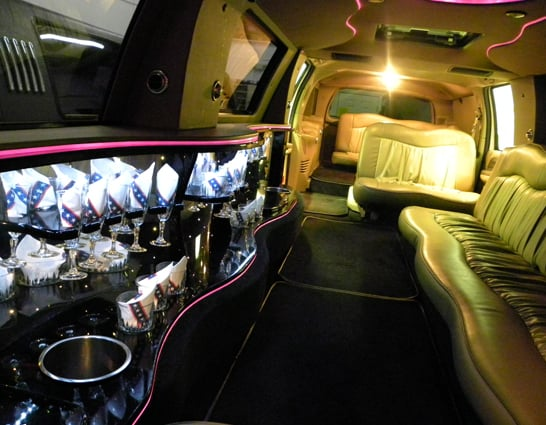 Linahan Limousine: 60 Rockingham Rd, Windham, NH