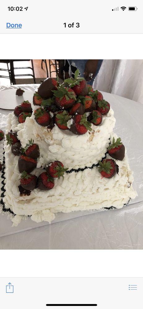 Fine Cakes by Cora & Dora: 1501 W Airline Hwy, La Place, LA