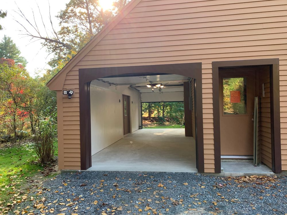 Middlesex Door Systems: 45 Winn St, Burlington, MA