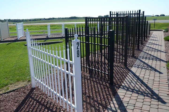 Simmons Fence & Specialty: 4527 S US Hwy 51, Janesville, WI