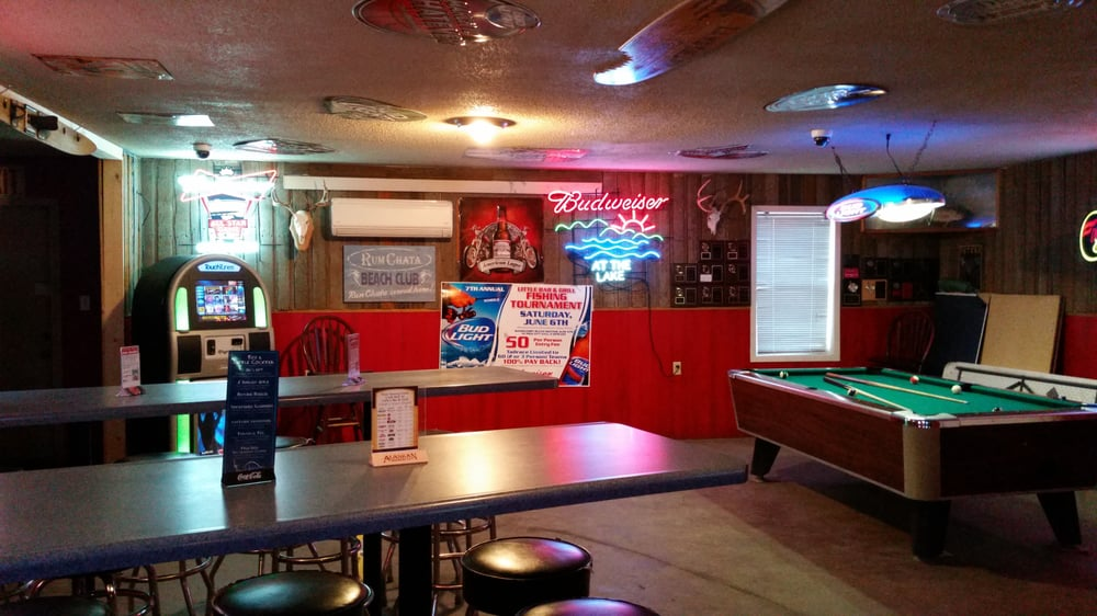 Little's Bar and Grill: 154 Main Rd E, Pick City, ND