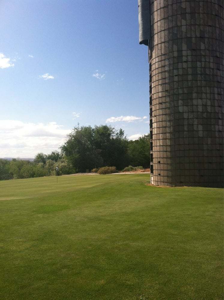 River Bend Golf Course: 18981 Fish Rd, Wilder, ID