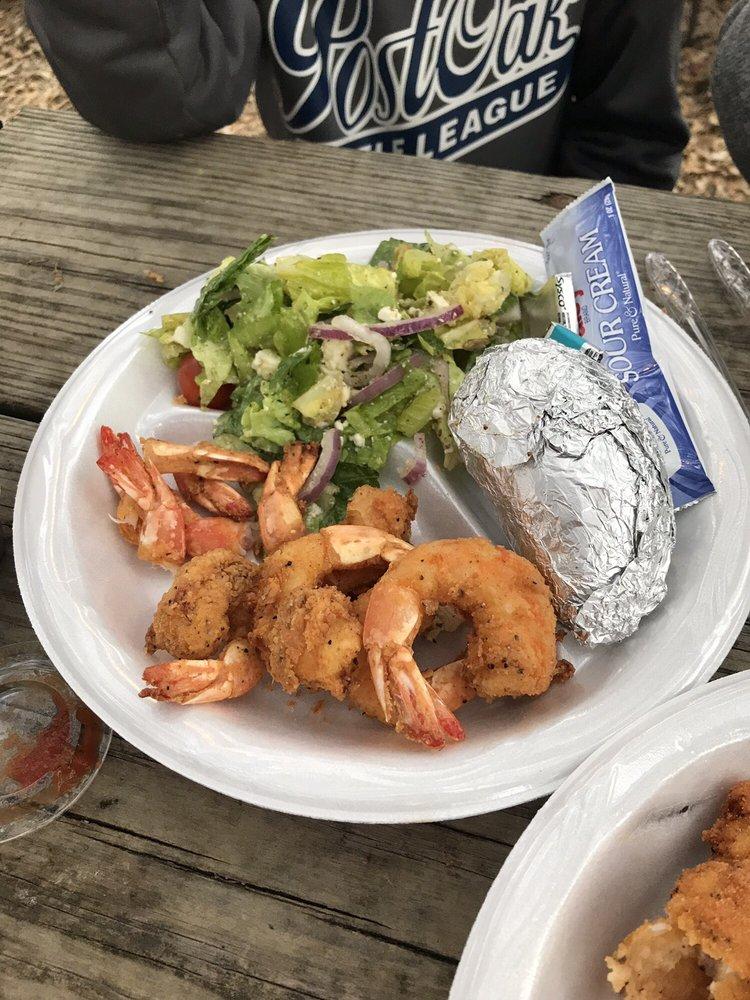 Mac & Ernie's Roadside Eatery: 11804 Fm 470, Tarpley, TX