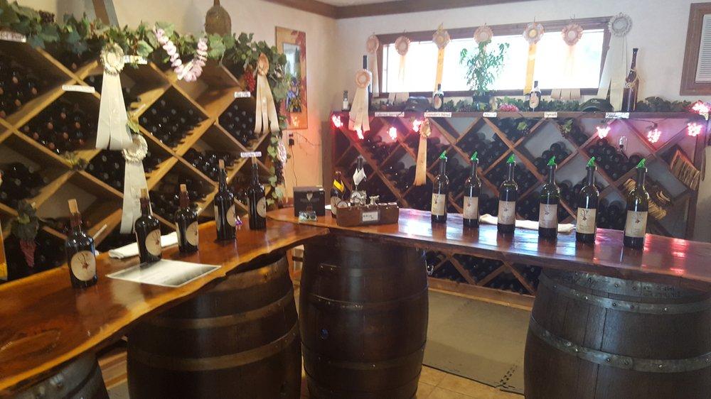 diVittorio Winery: 3500 Carson Rd, Camino, CA