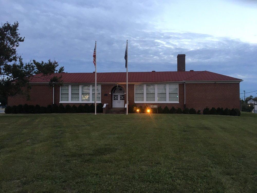 Robert R Moton Museum: 900 Griffin Blvd, Farmville, VA