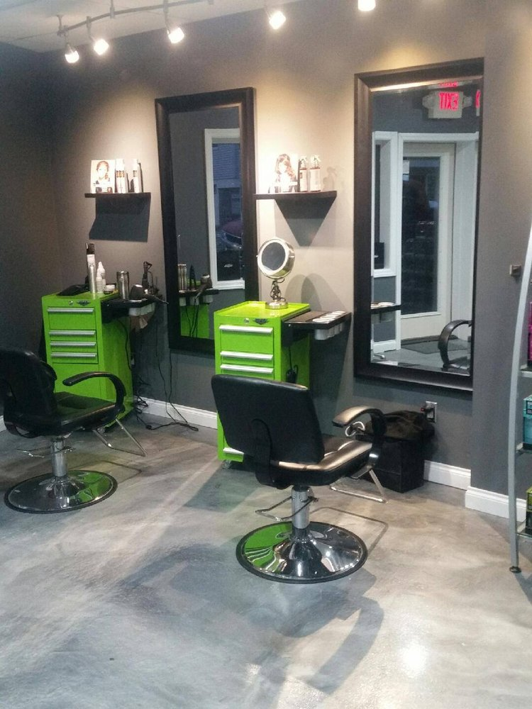A Love of Hair: 10960 Main St, Honor, MI