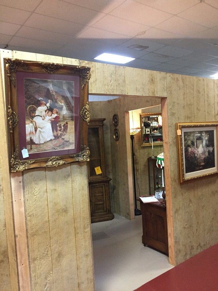 Antique Depot: 2196 W Rogers Blvd, Skiatook, OK