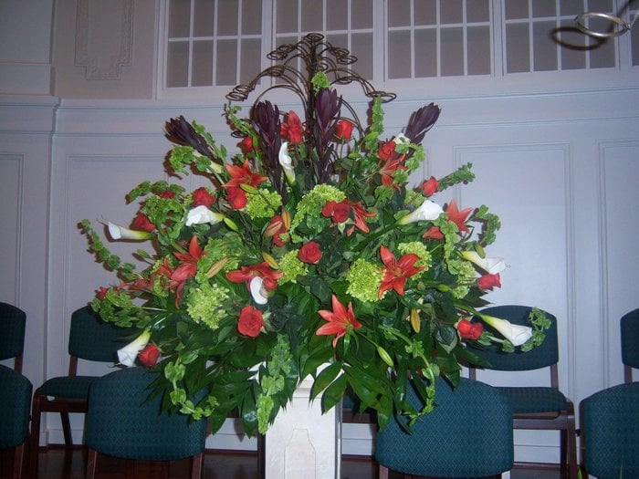 Chez Julie's Florist: 1662 E Greenville St, Anderson, SC