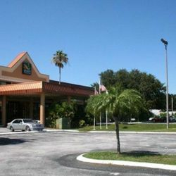 Photo Of Quality Inn Suites Tarpon Springs Fl United States