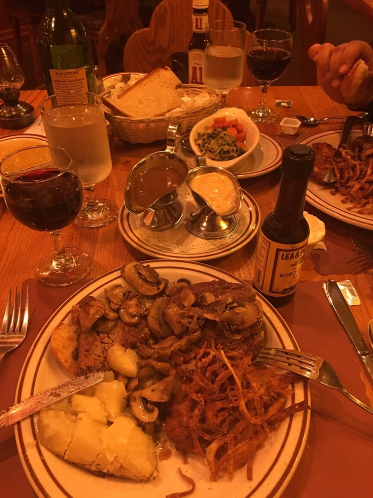 Oak Chalet Restaurant: 1940 Bellmore Ave, Bellmore, NY