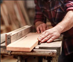 SM Carpentry & Painting: 100 E 9th St, Hartford, SD