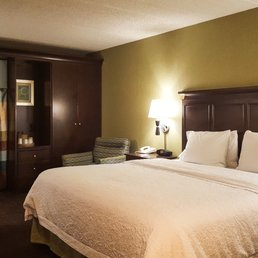 hampton inn 66 photos 71 reviews hotels 767 e. Black Bedroom Furniture Sets. Home Design Ideas