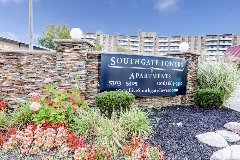 Southgate Towers: 5303 Northfield Rd, Bedford, OH