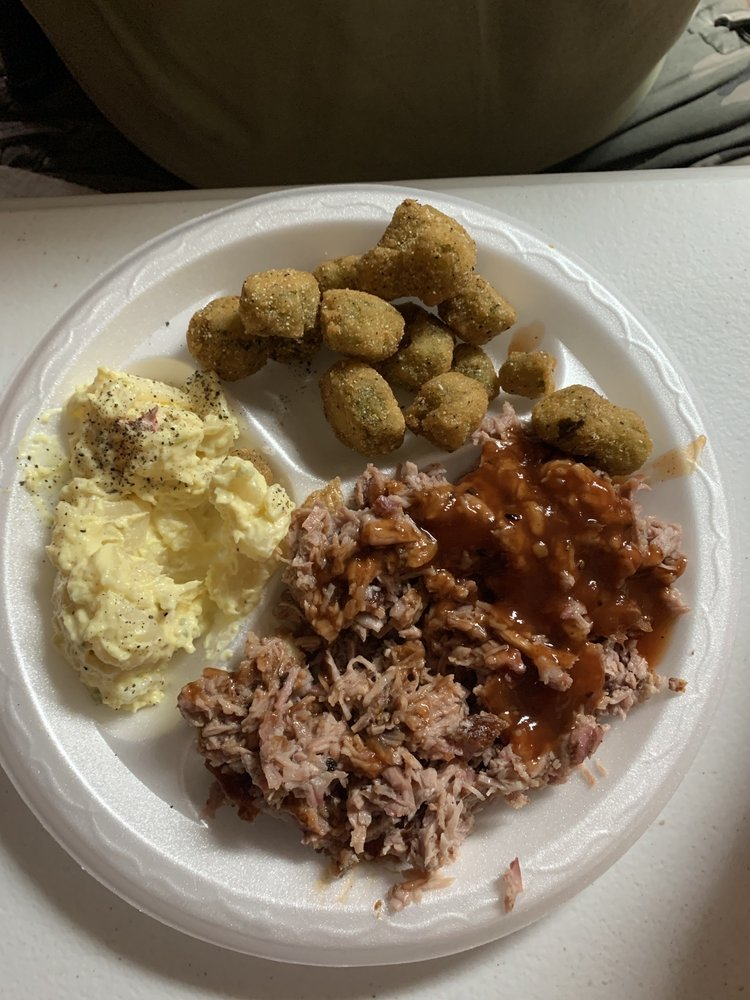Sanders' Down Home Barbeque and Soul Food: 3078 Elberton Rd, Carlton, GA